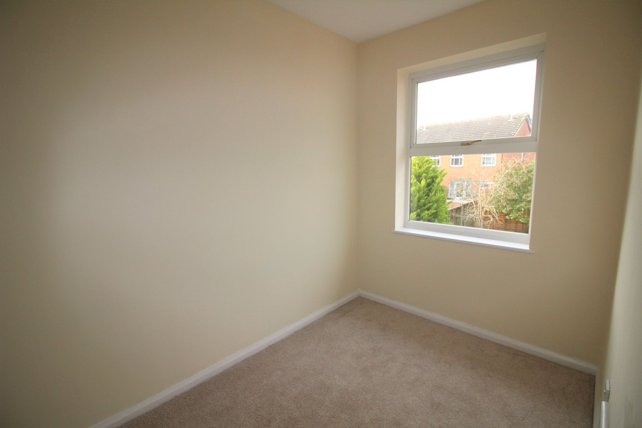 3 bedroom semi-detached house Let Agreed in Solihull - Photograph 13.
