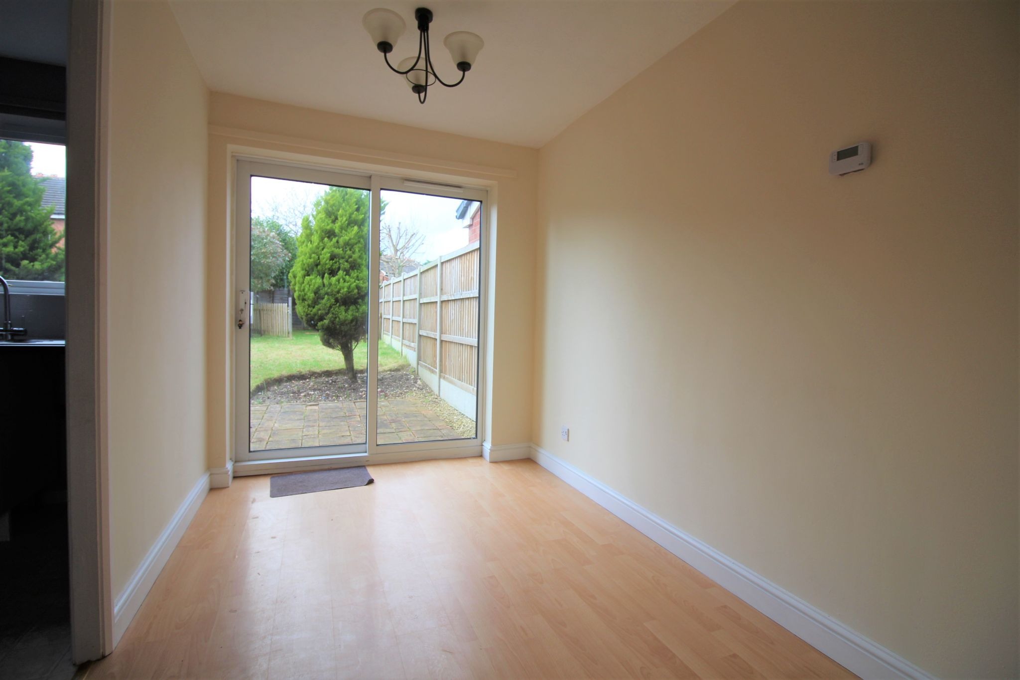 3 bedroom semi-detached house Let Agreed in Solihull - Photograph 6.