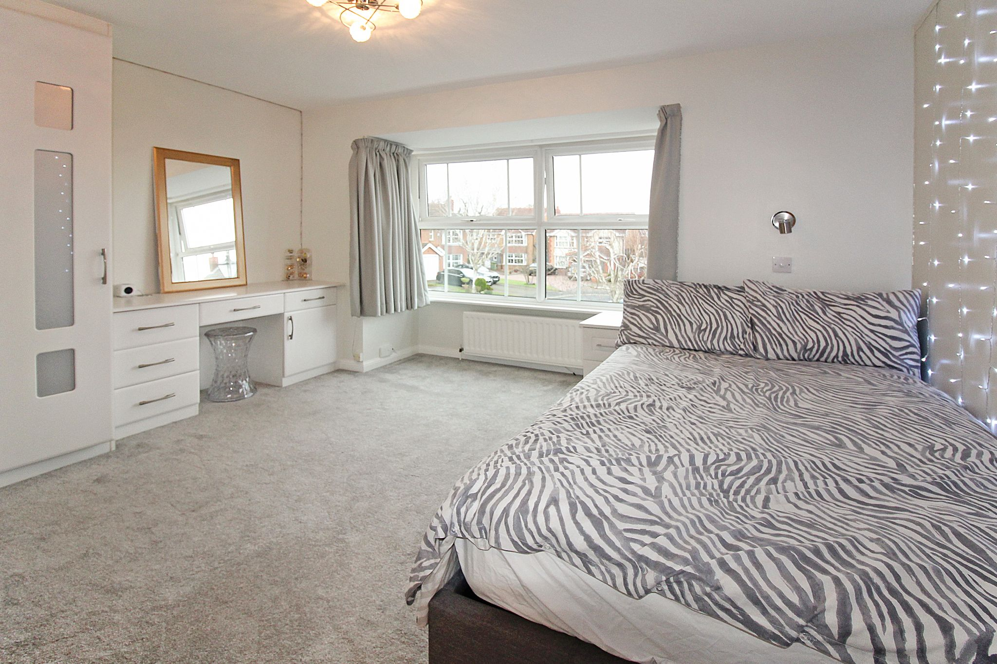 5 bedroom detached house SSTC in Solihull - Photograph 14.
