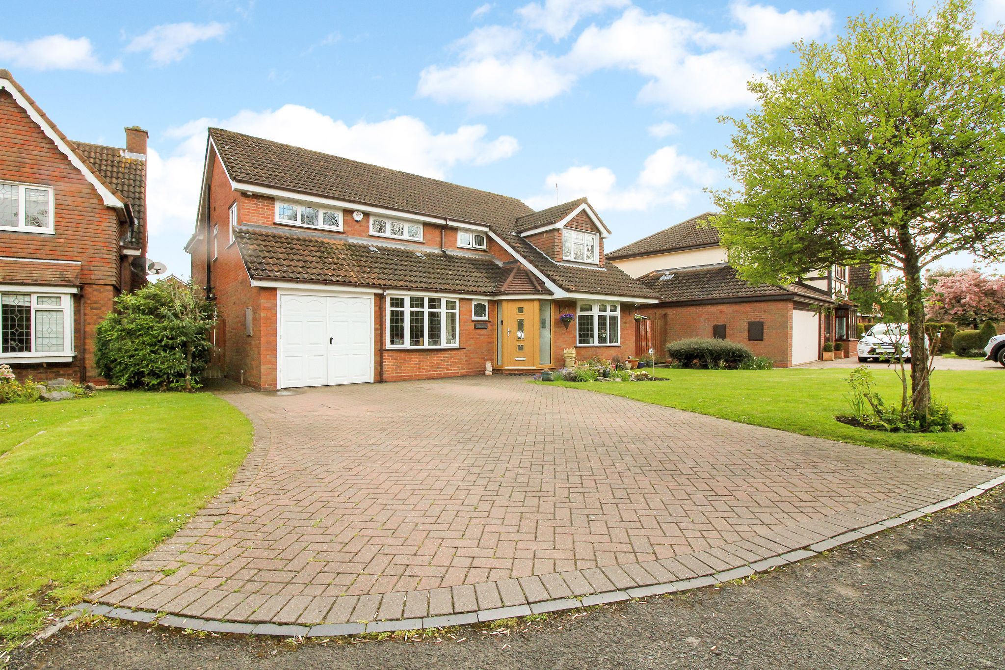 5 bedroom detached house SSTC in Solihull - Photograph 1.