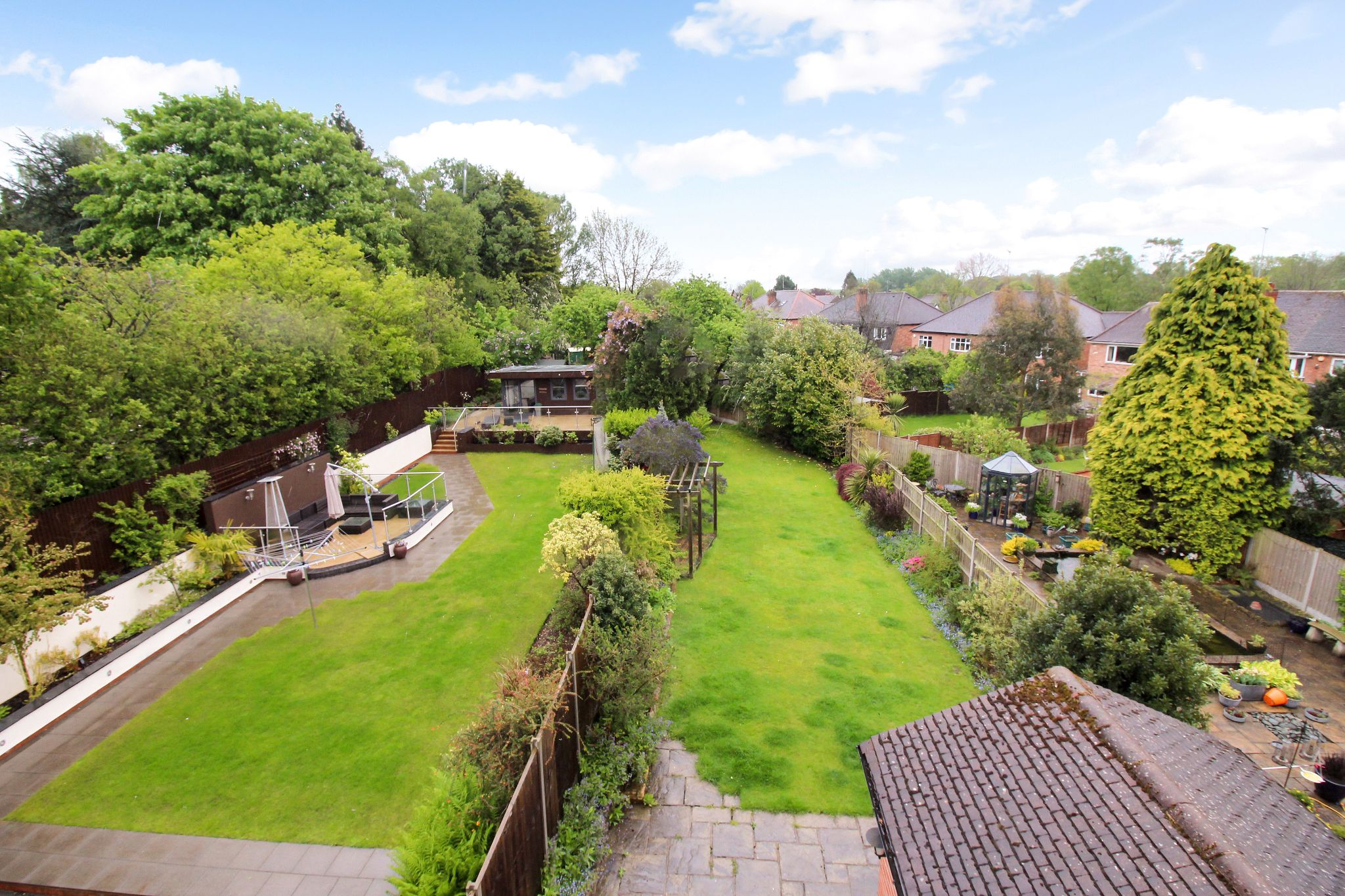4 bedroom semi-detached house SSTC in Solihull - Photograph 14.