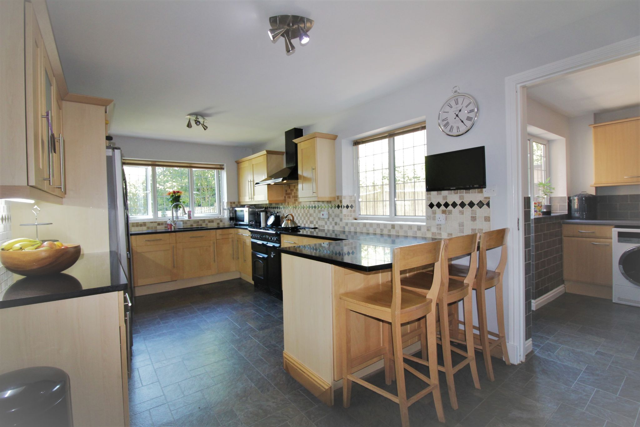 6 bedroom detached house For Sale in Solihull - Photograph 3.