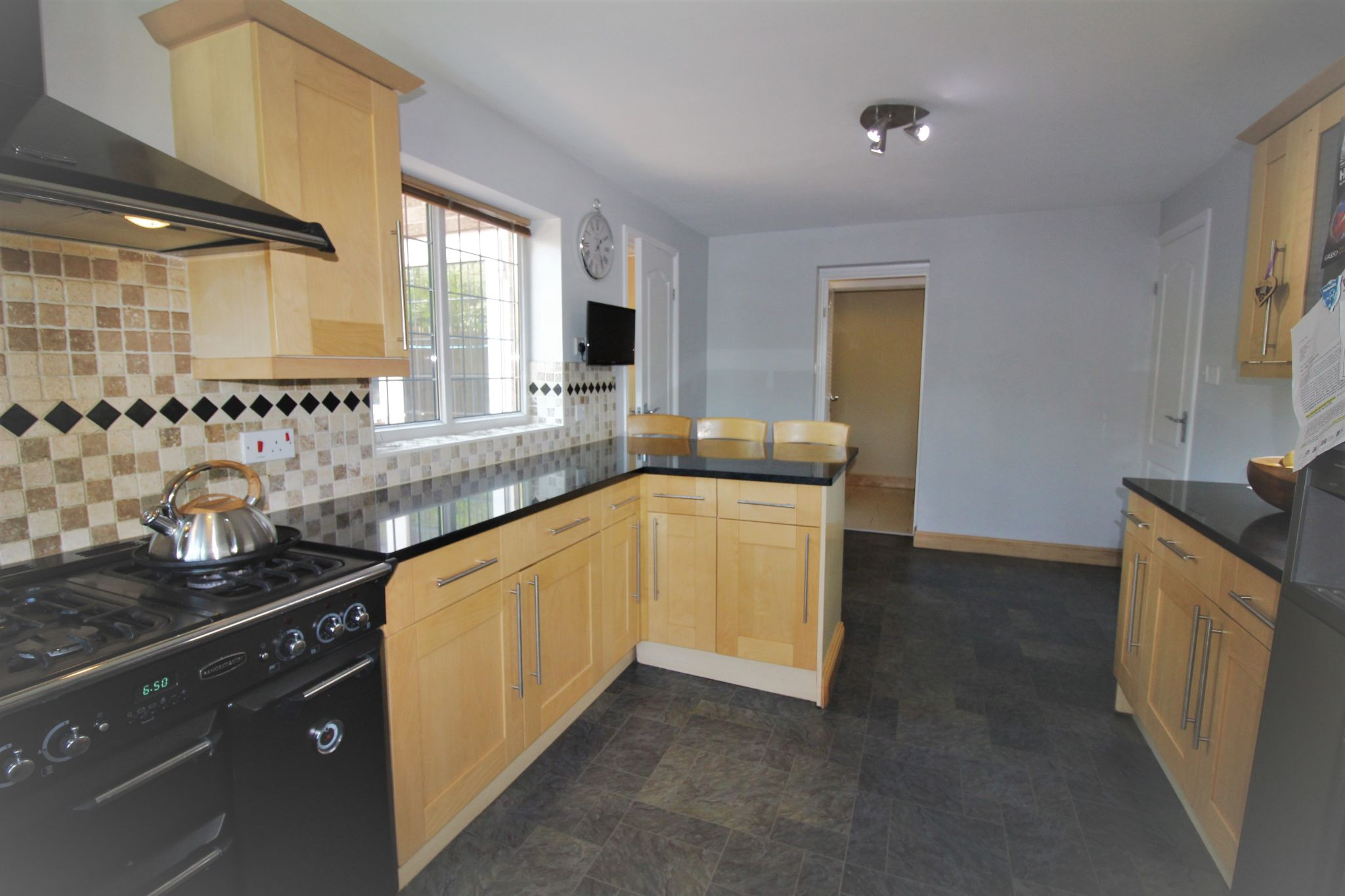 6 bedroom detached house For Sale in Solihull - Photograph 6.