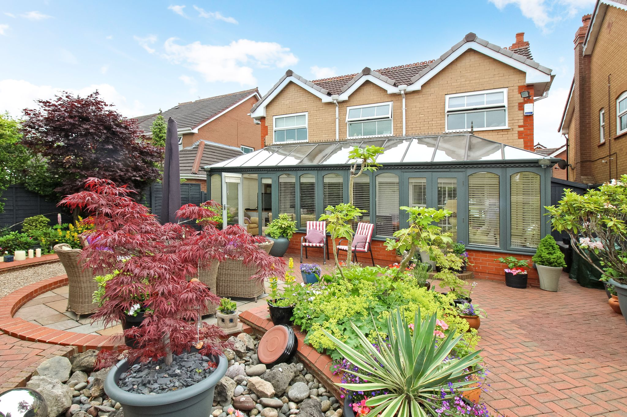 4 bedroom detached house For Sale in Solihull - Photograph 14.