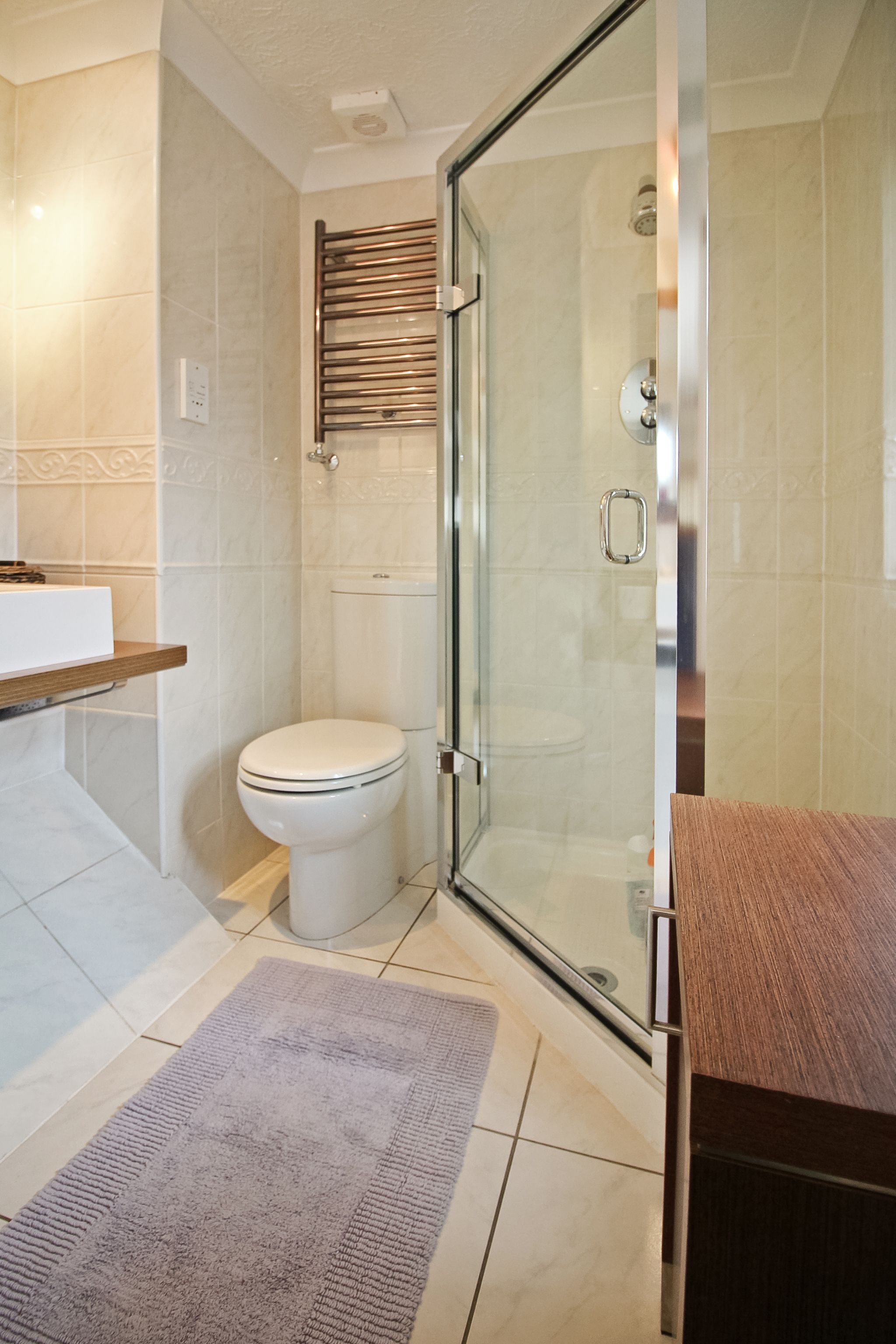 4 bedroom detached house For Sale in Solihull - Photograph 9.