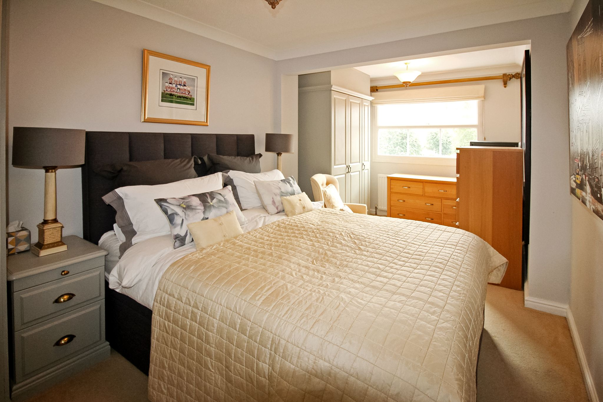 4 bedroom detached house For Sale in Solihull - Photograph 12.