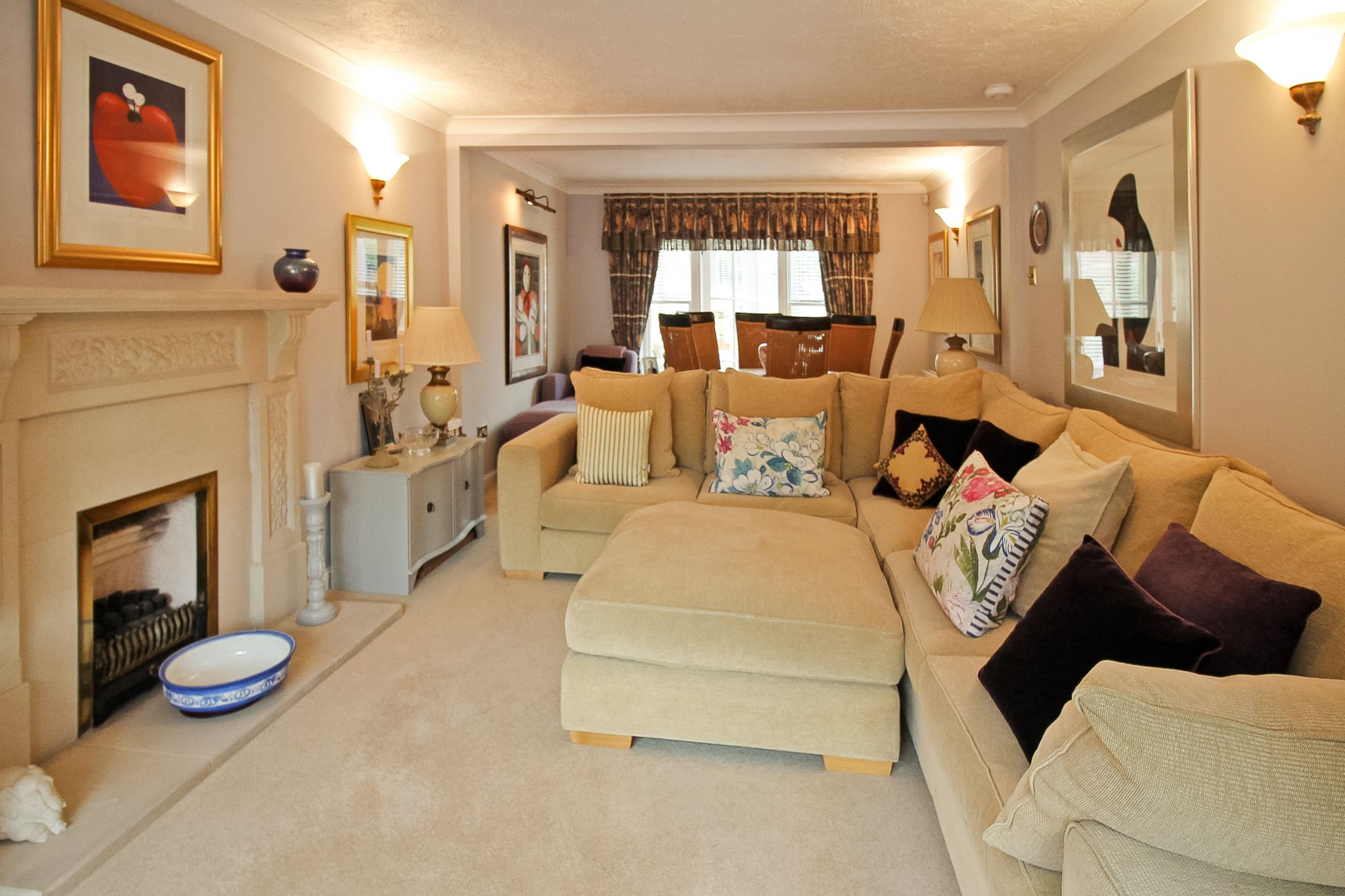 4 bedroom detached house For Sale in Solihull - Photograph 3.