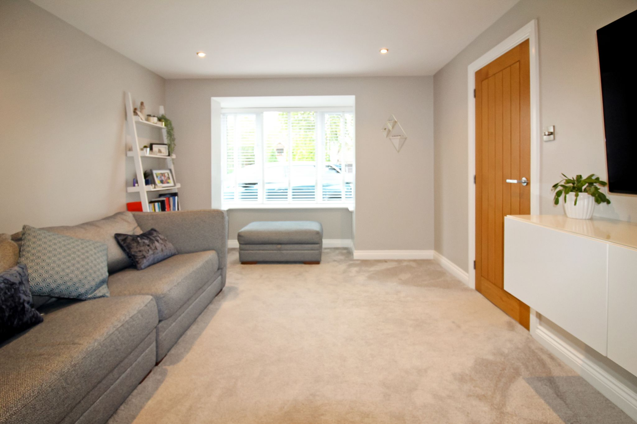 4 bedroom detached house For Sale in Solihull - Photograph 7.