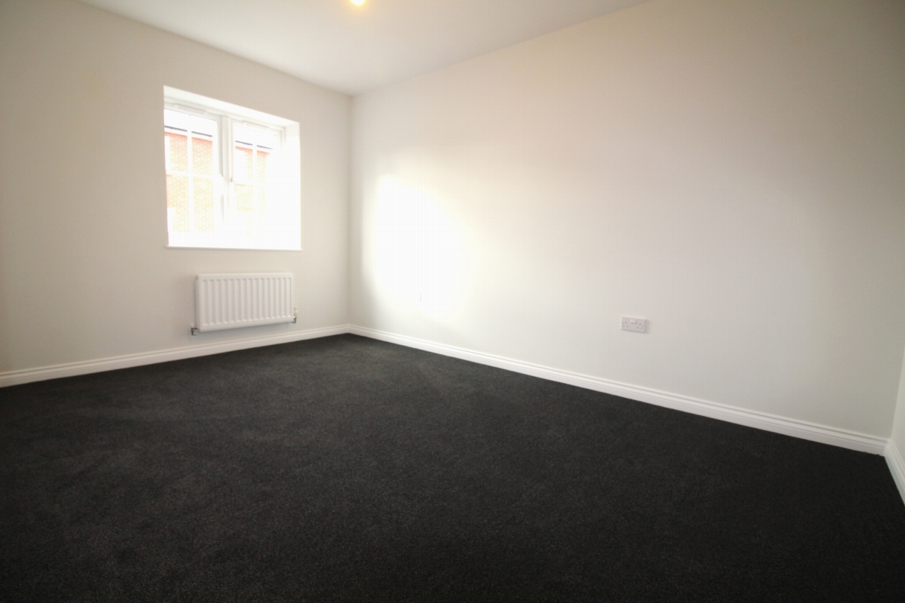 4 bedroom end terraced house Let Agreed in Birmingham - Photograph 9.