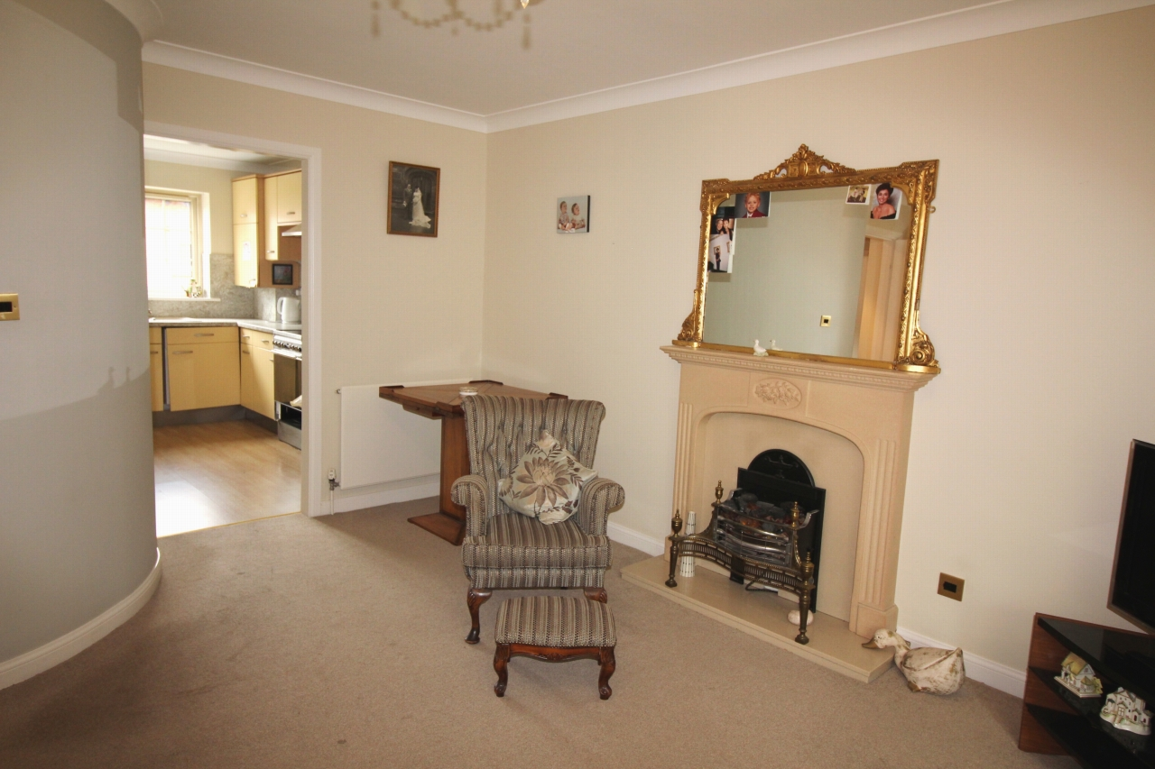 2 bedroom apartment flat/apartment For Sale in Solihull - Photograph 4.