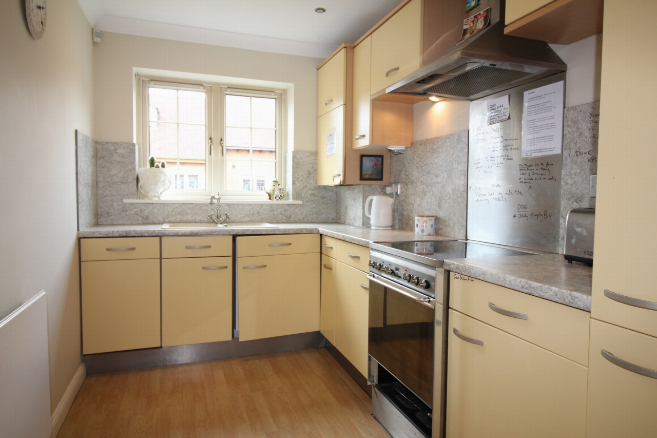 2 bedroom apartment flat/apartment For Sale in Solihull - Photograph 6.