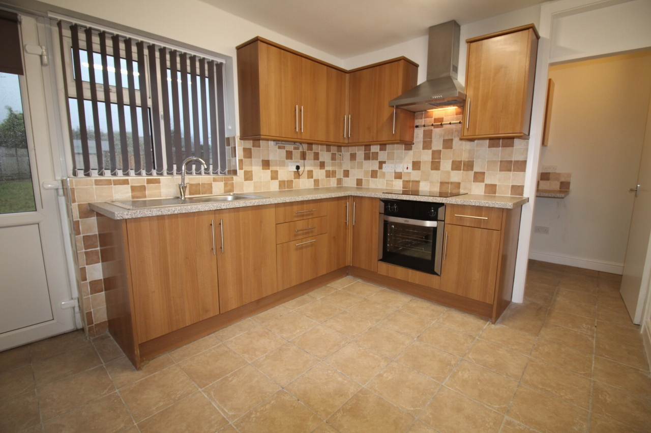 3 bedroom mid terraced house Let Agreed in Birmingham - Photograph 1.