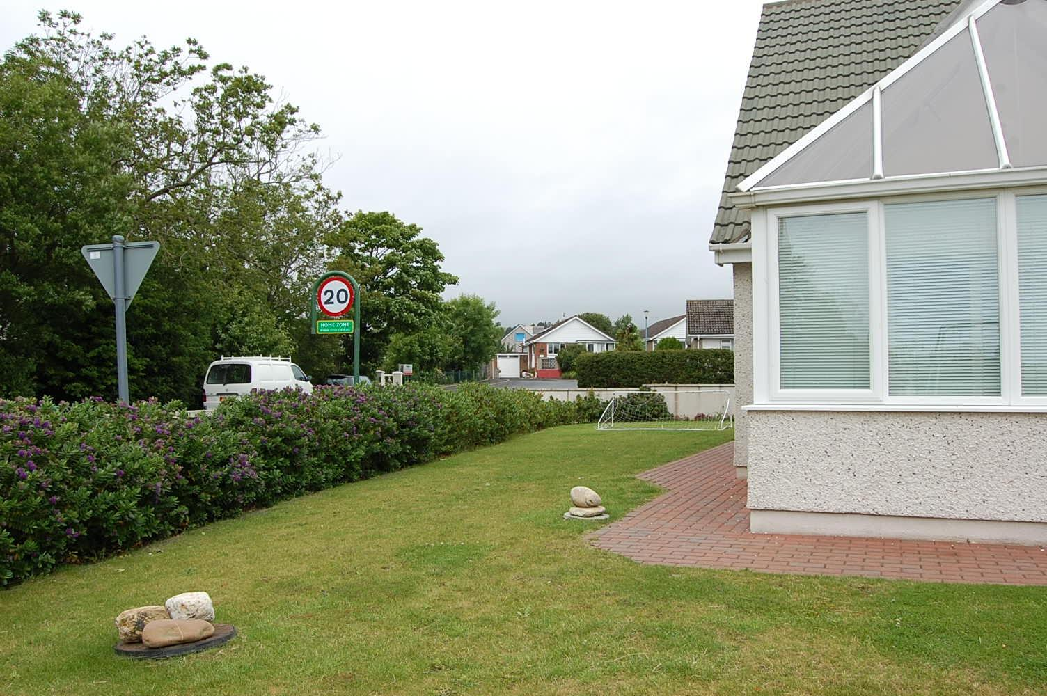 3 bedroom detached house To Let in Colby - Property photograph