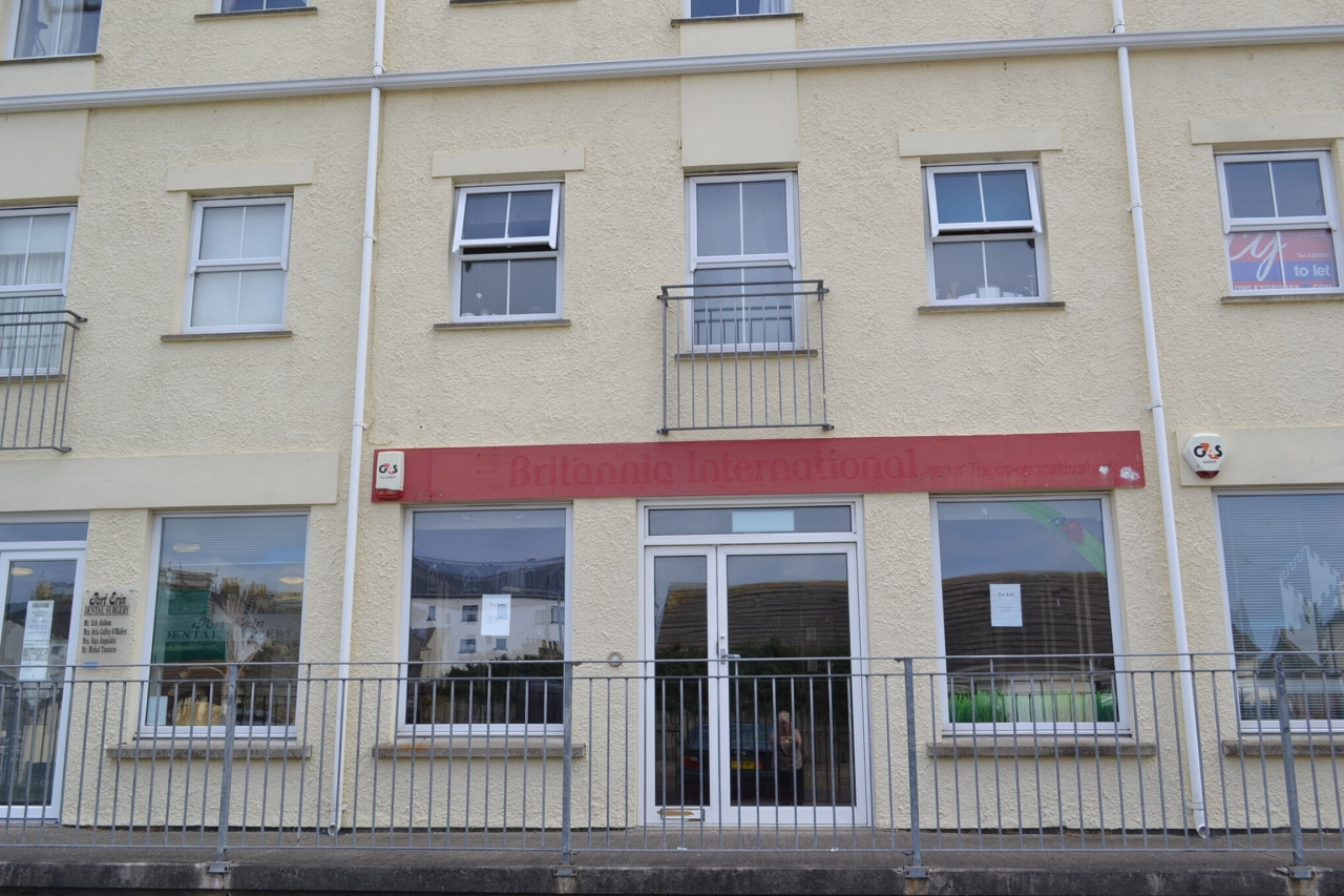 Office For Sale in Port Erin - Photograph 1