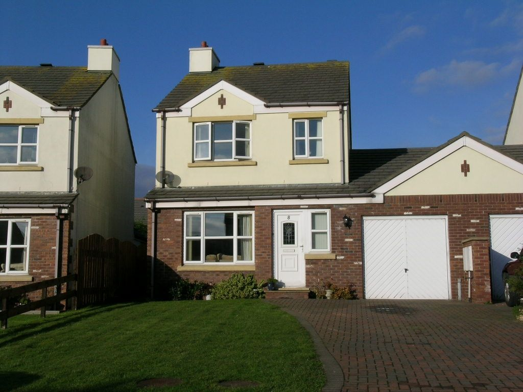 3 bedroom link detached house Under Offer in Ballasalla - Photograph 1