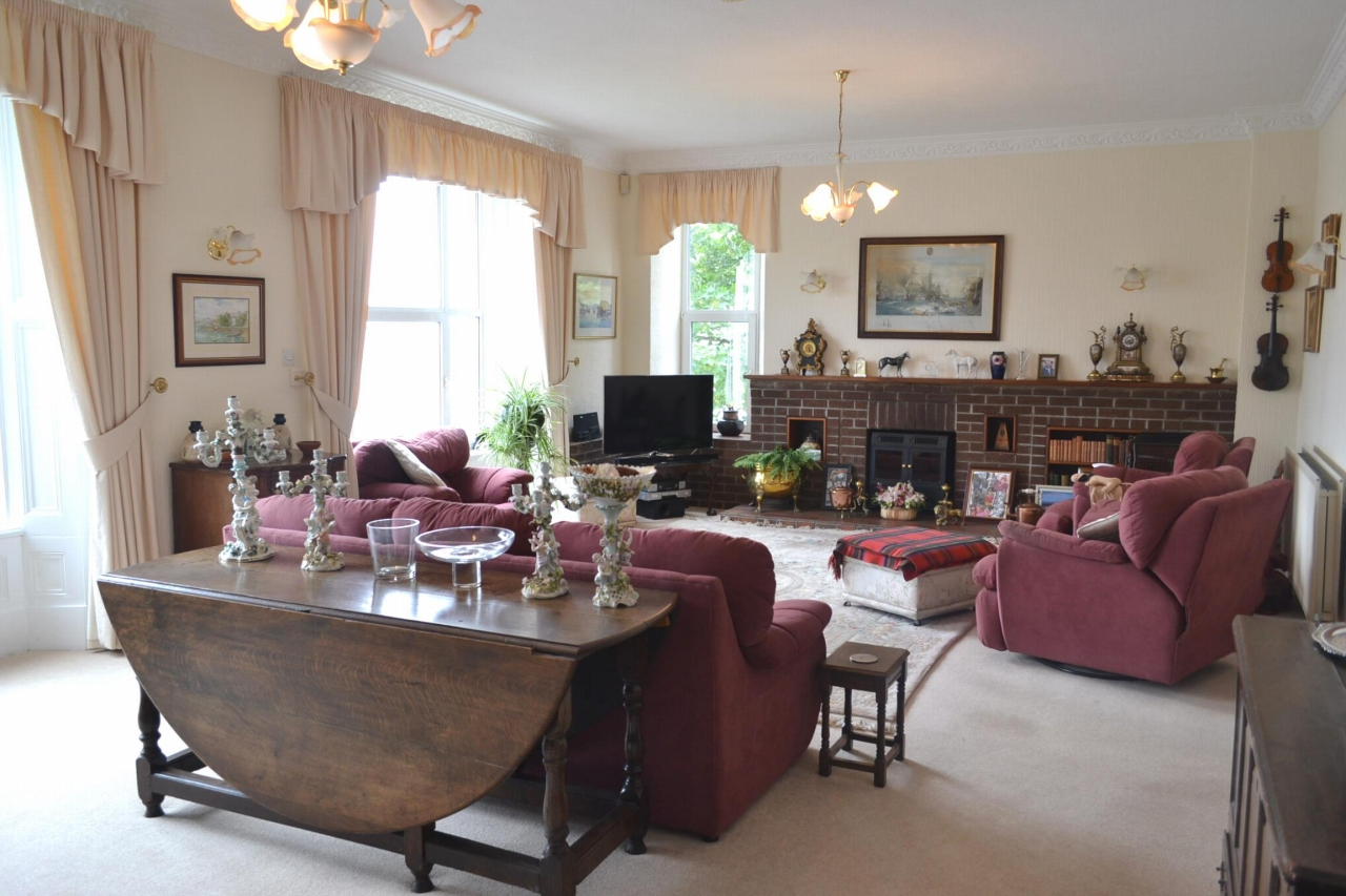 6 bedroom detached house For Sale in Port St Mary - Property photograph