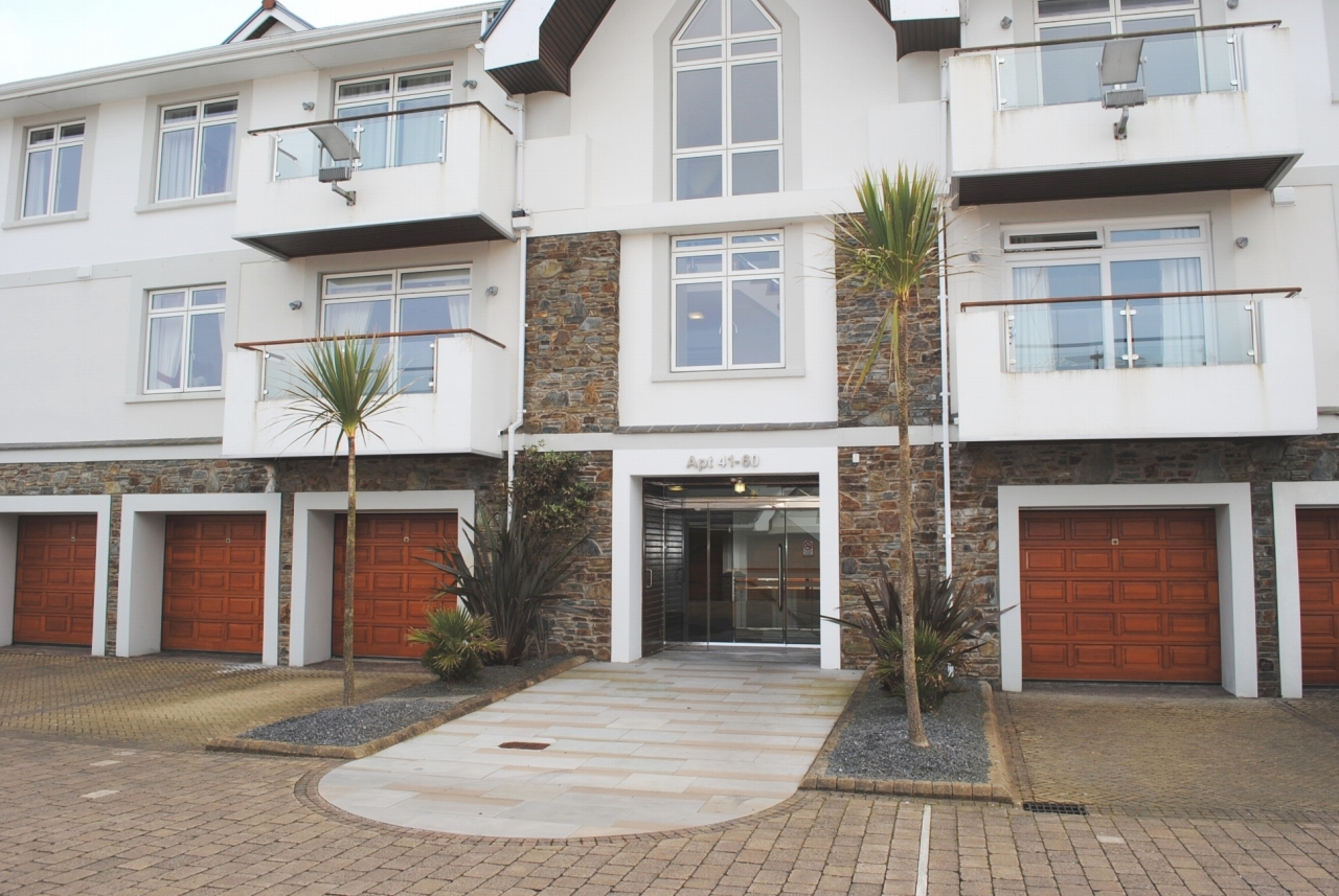 1 bedroom apartment flat/apartment For Sale in Onchan - Photograph 1
