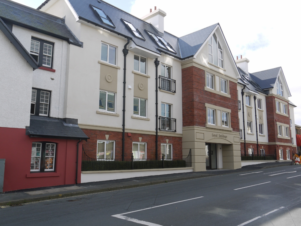2 bedroom apartment flat/apartment To Let in Onchan - Photograph 1