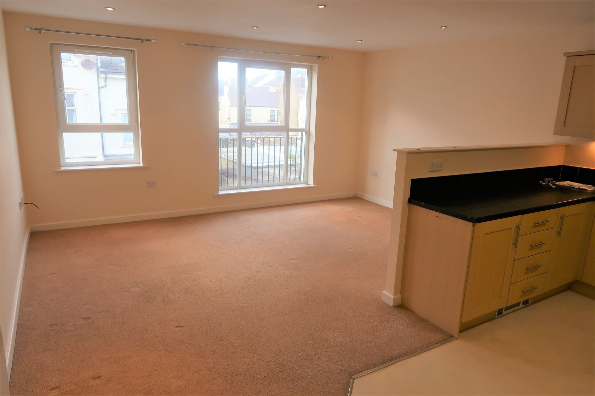 2 bedroom ground floor flat/apartment For Sale in Port St. Mary - Property photograph