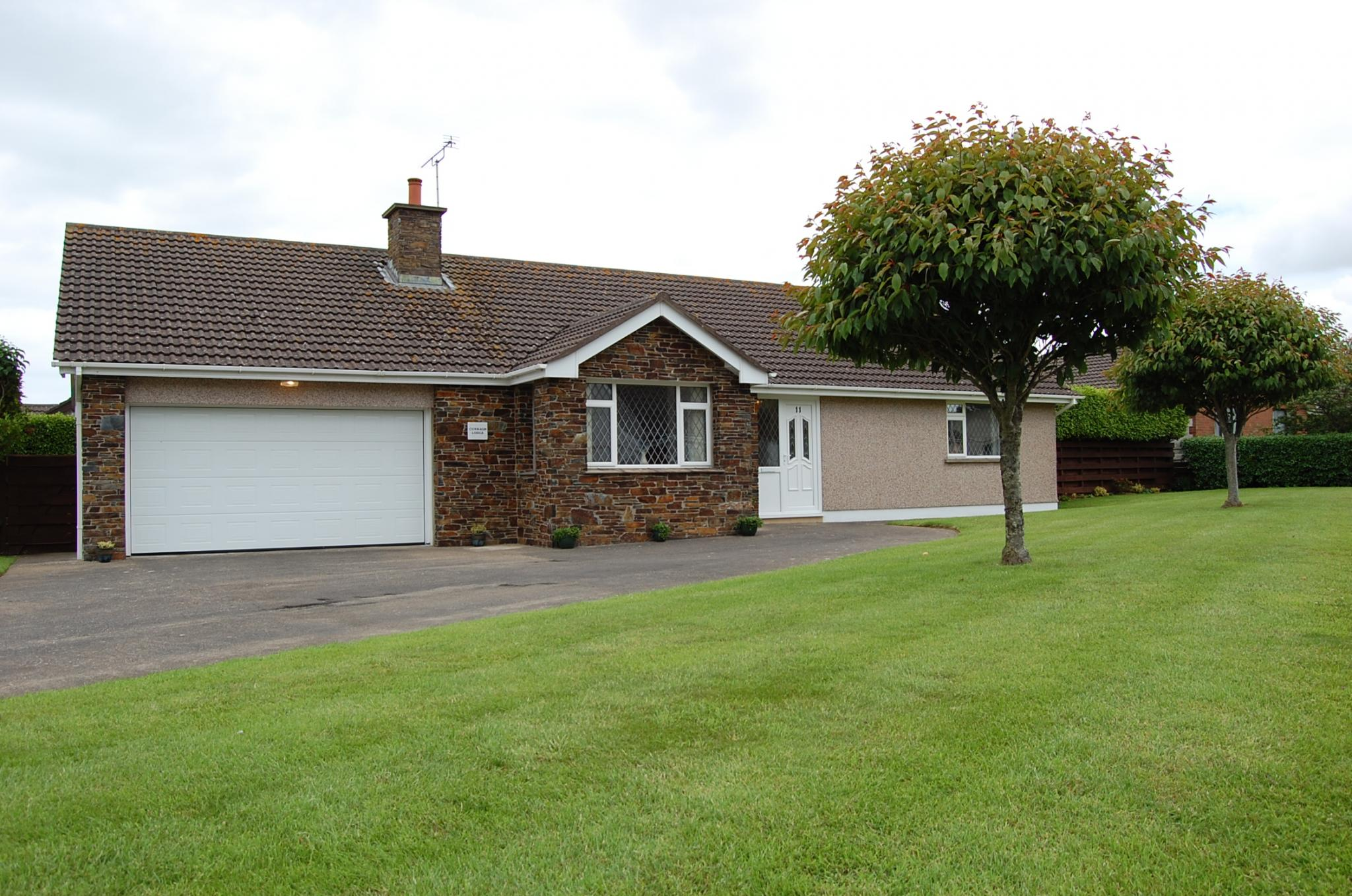 3 bedroom detached bungalow Under Offer in Ballaugh - Property photograph
