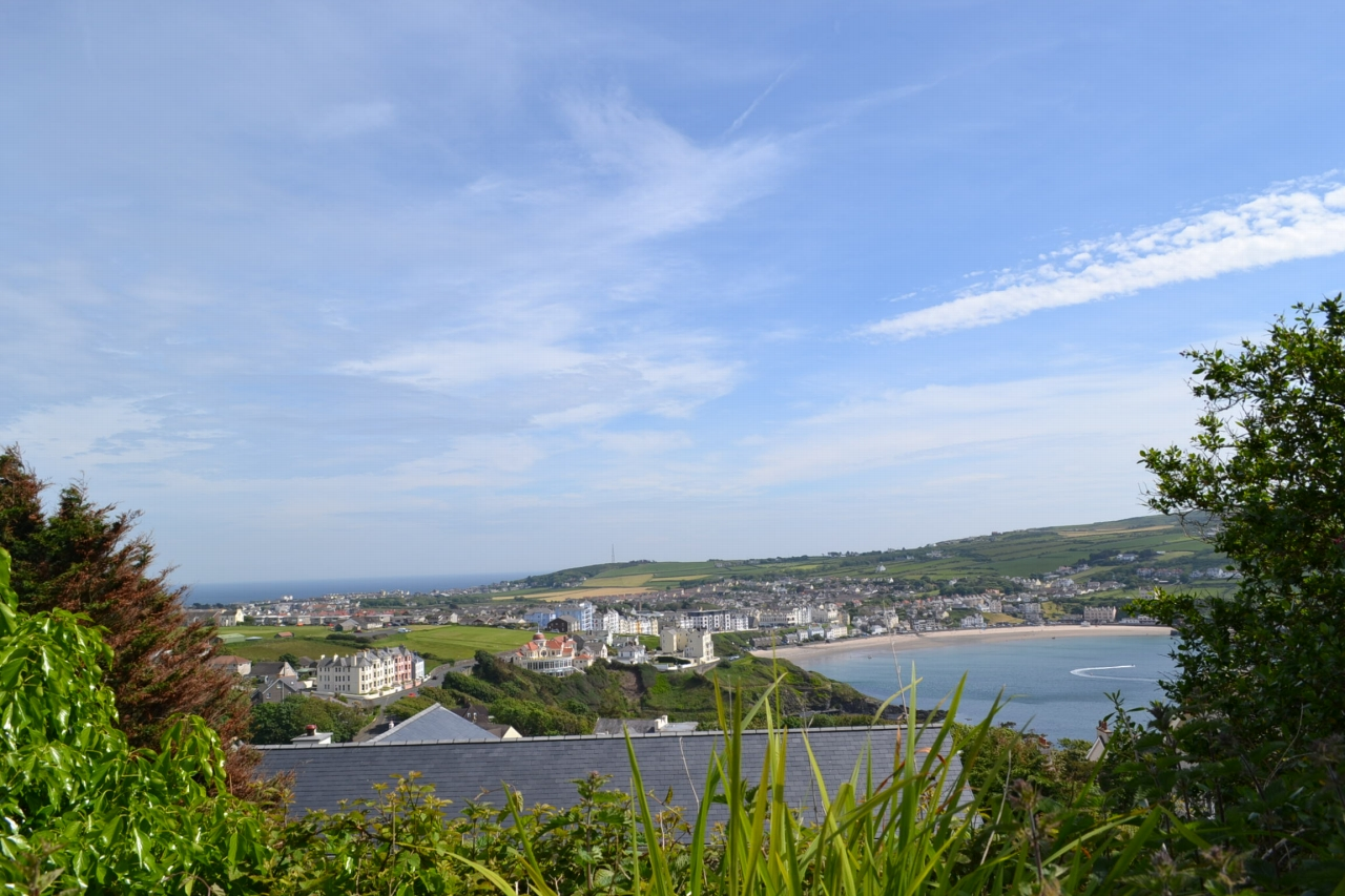 5 bedroom detached house For Sale in Port Erin - Photograph 5
