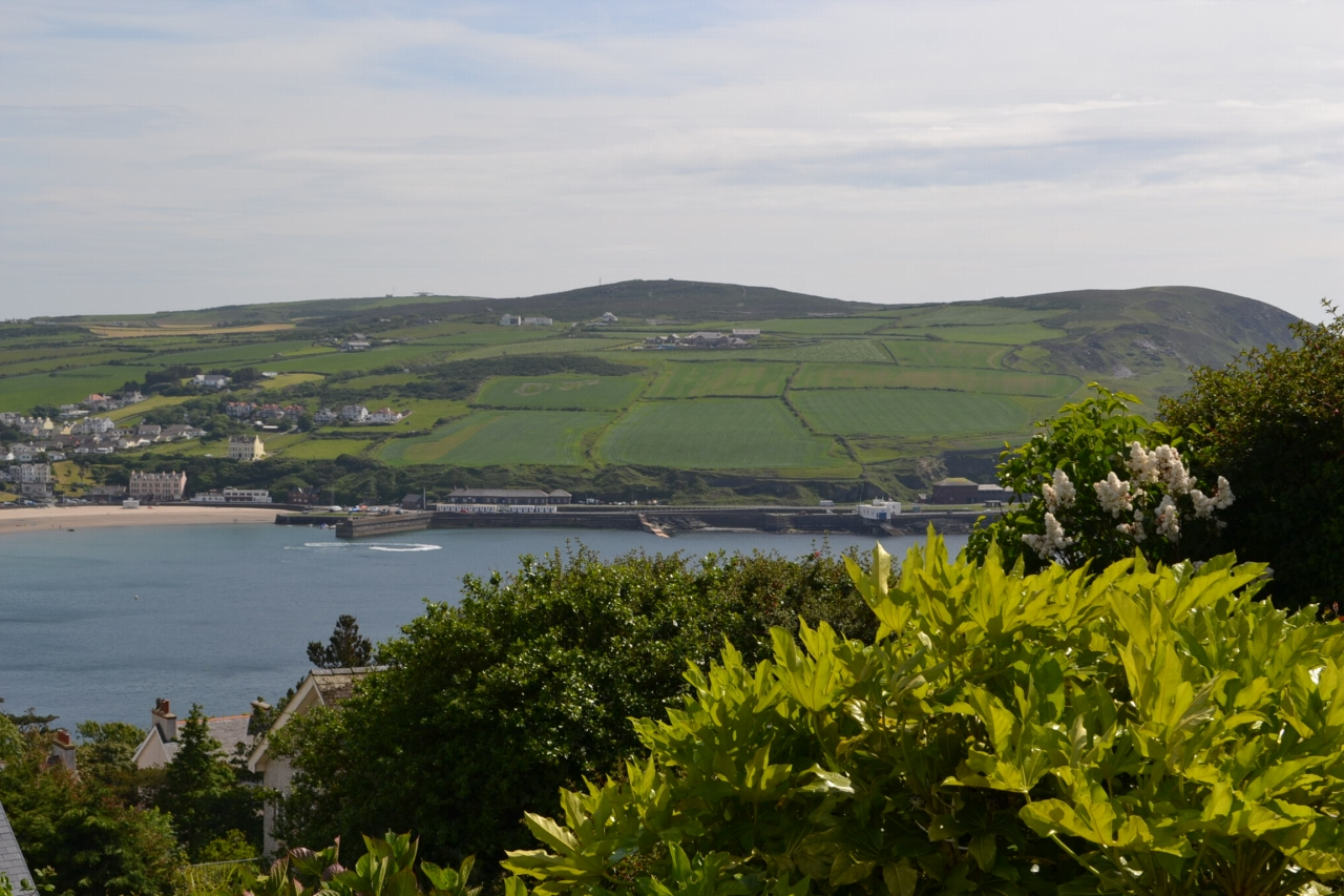 5 bedroom detached house For Sale in Port Erin - Photograph 8