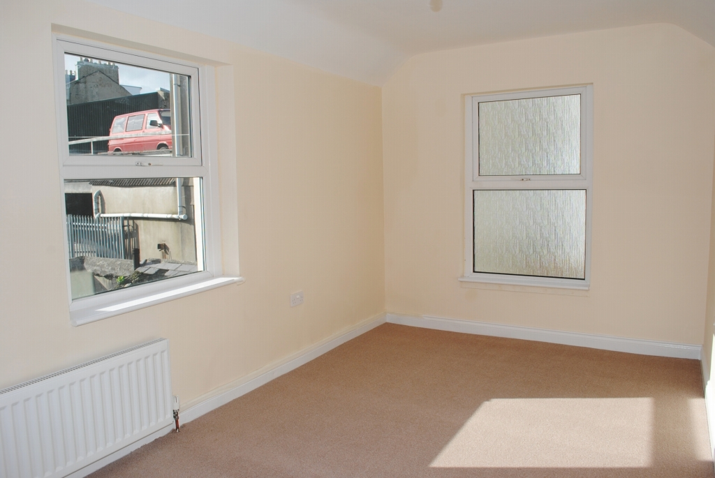 3 bedroom mid terraced house For Sale in Douglas - 6