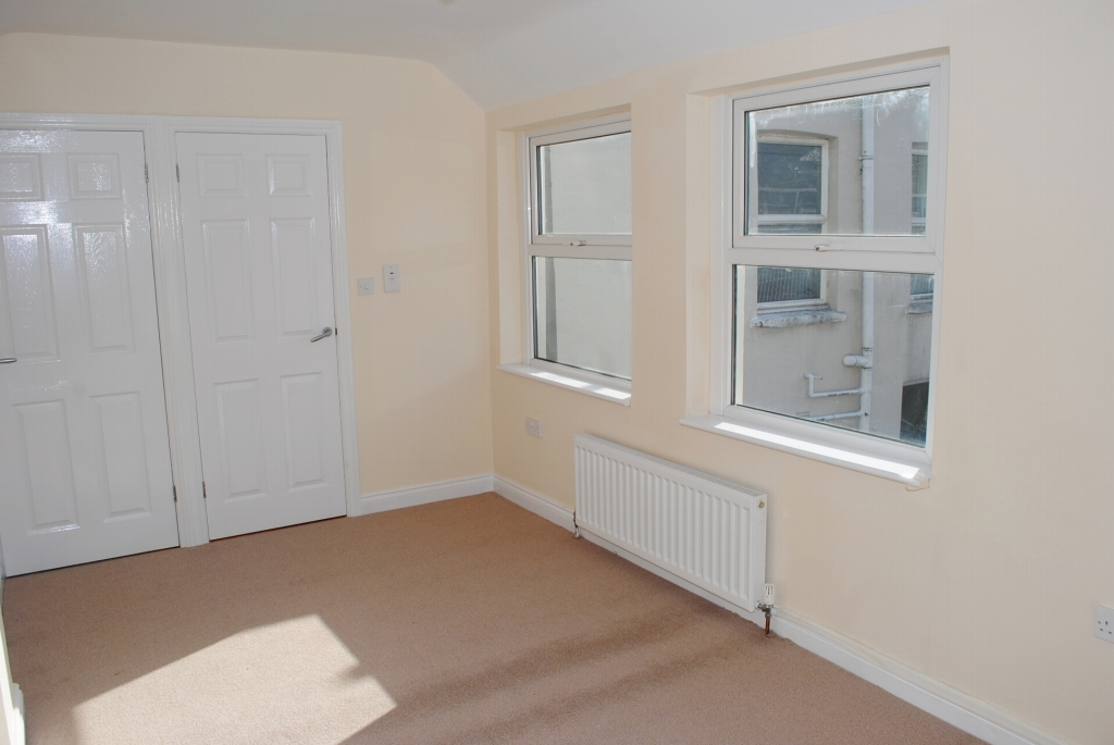 3 bedroom mid terraced house For Sale in Douglas - 7