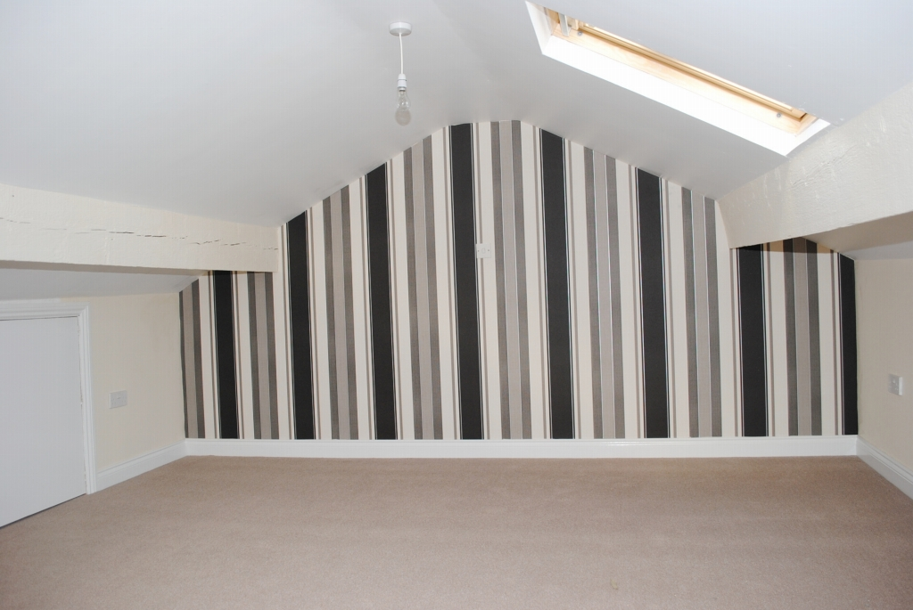 3 bedroom mid terraced house For Sale in Douglas - 11