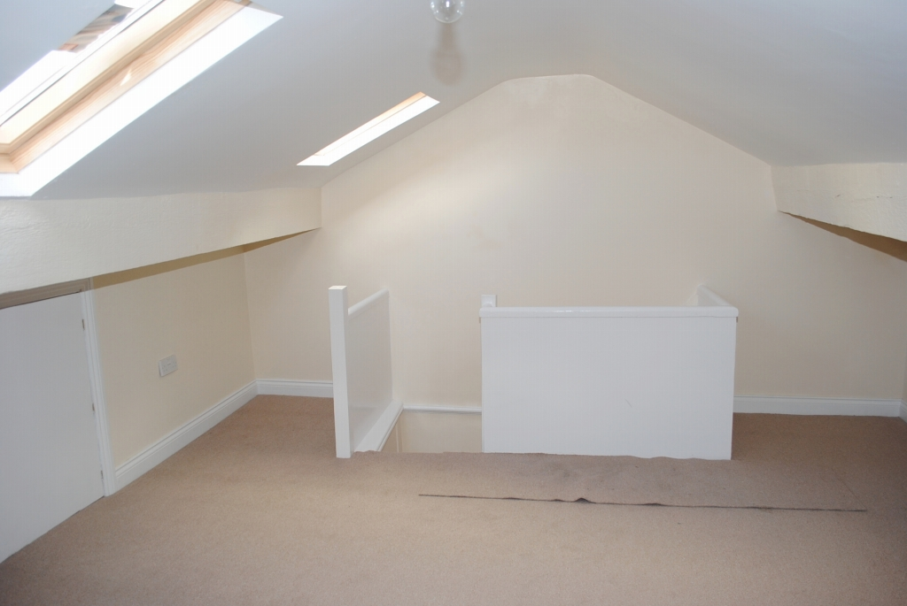 3 bedroom mid terraced house For Sale in Douglas - 12