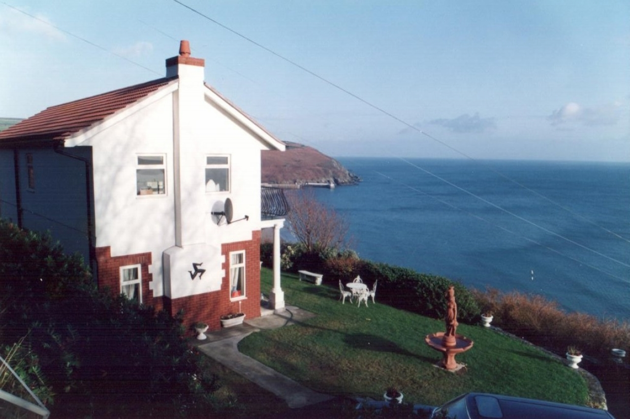 2 bedroom detached house For Sale in Laxey - Photograph 1