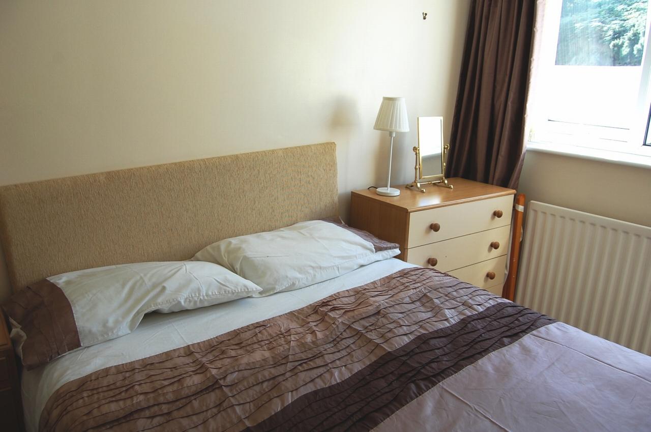 2 bedroom apartment flat/apartment Let in Douglas - Photograph 10