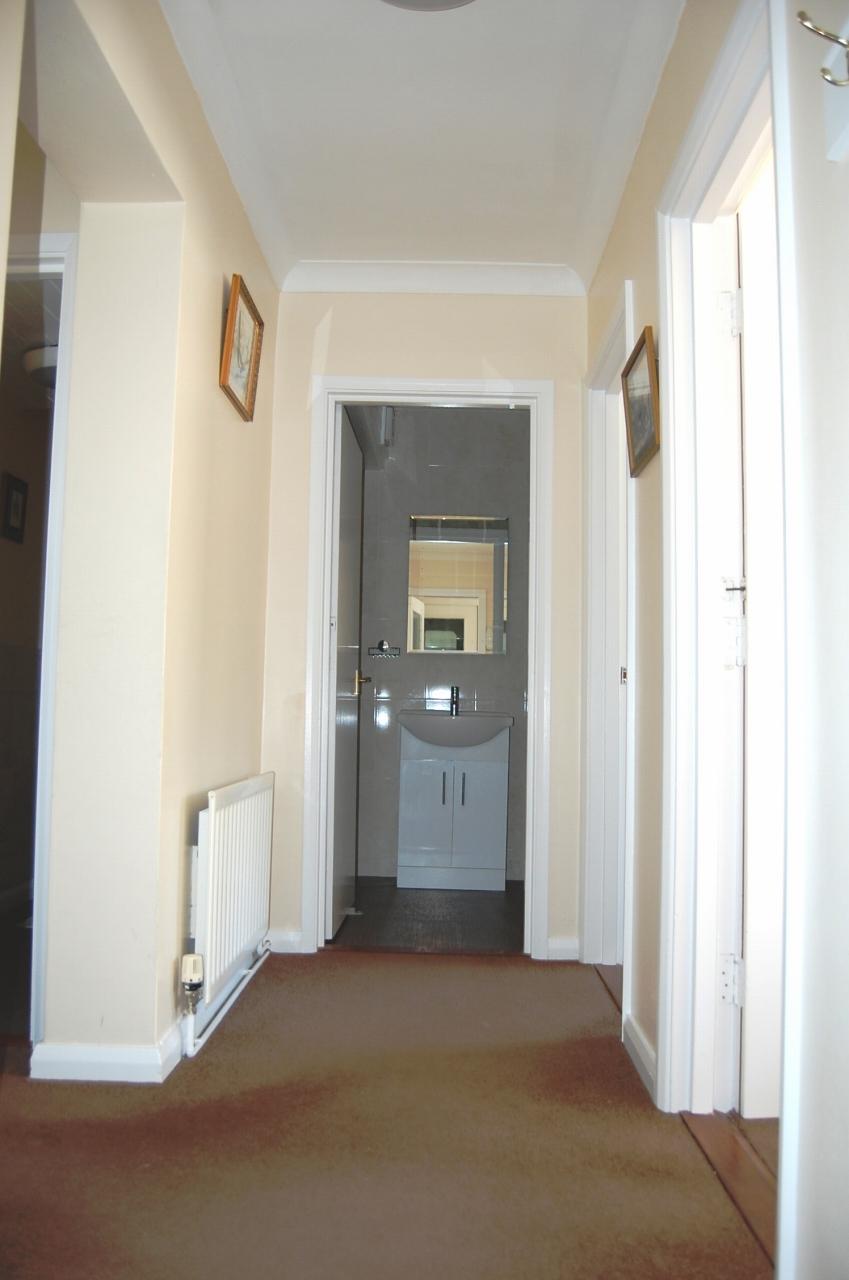 2 bedroom apartment flat/apartment Let in Douglas - Photograph 12
