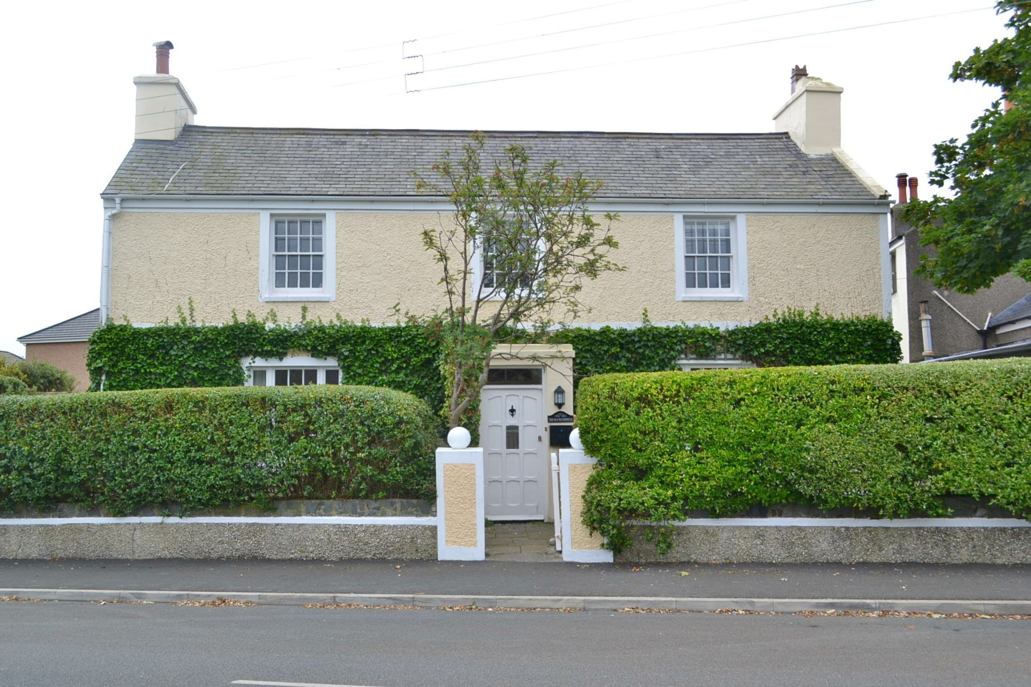 4 bedroom detached house To Let in Port St Mary - Photograph 1