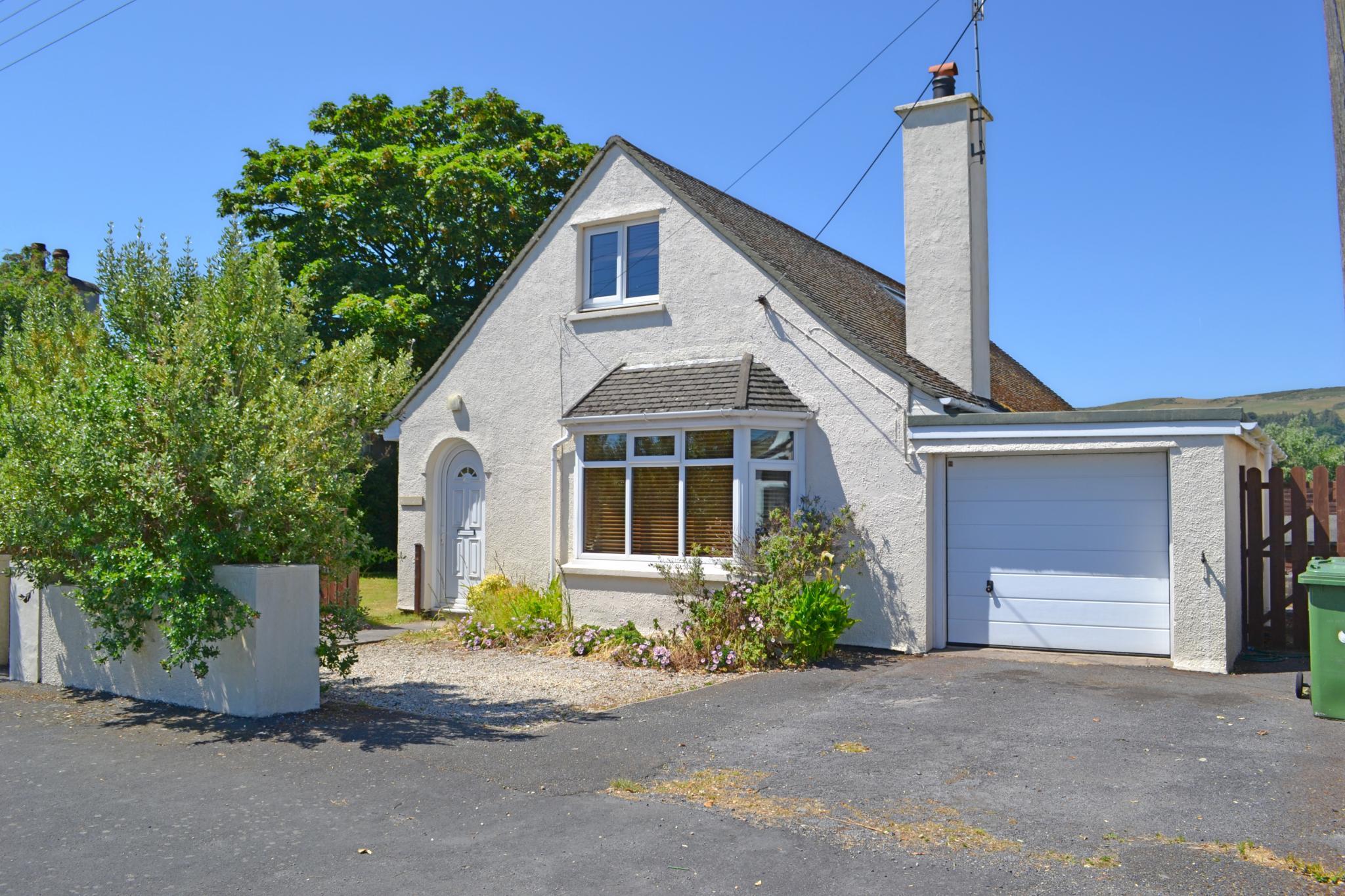 3 bedroom detached bungalow Let in Port Erin - Photograph 1