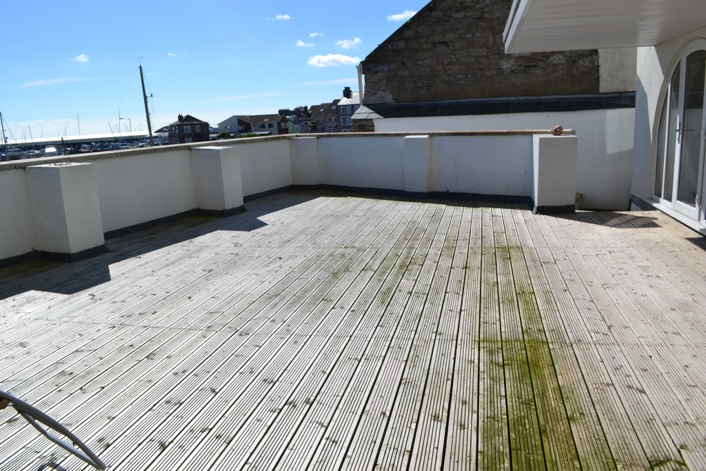 5 bedroom end terraced house For Sale in Port St Mary - Property photograph
