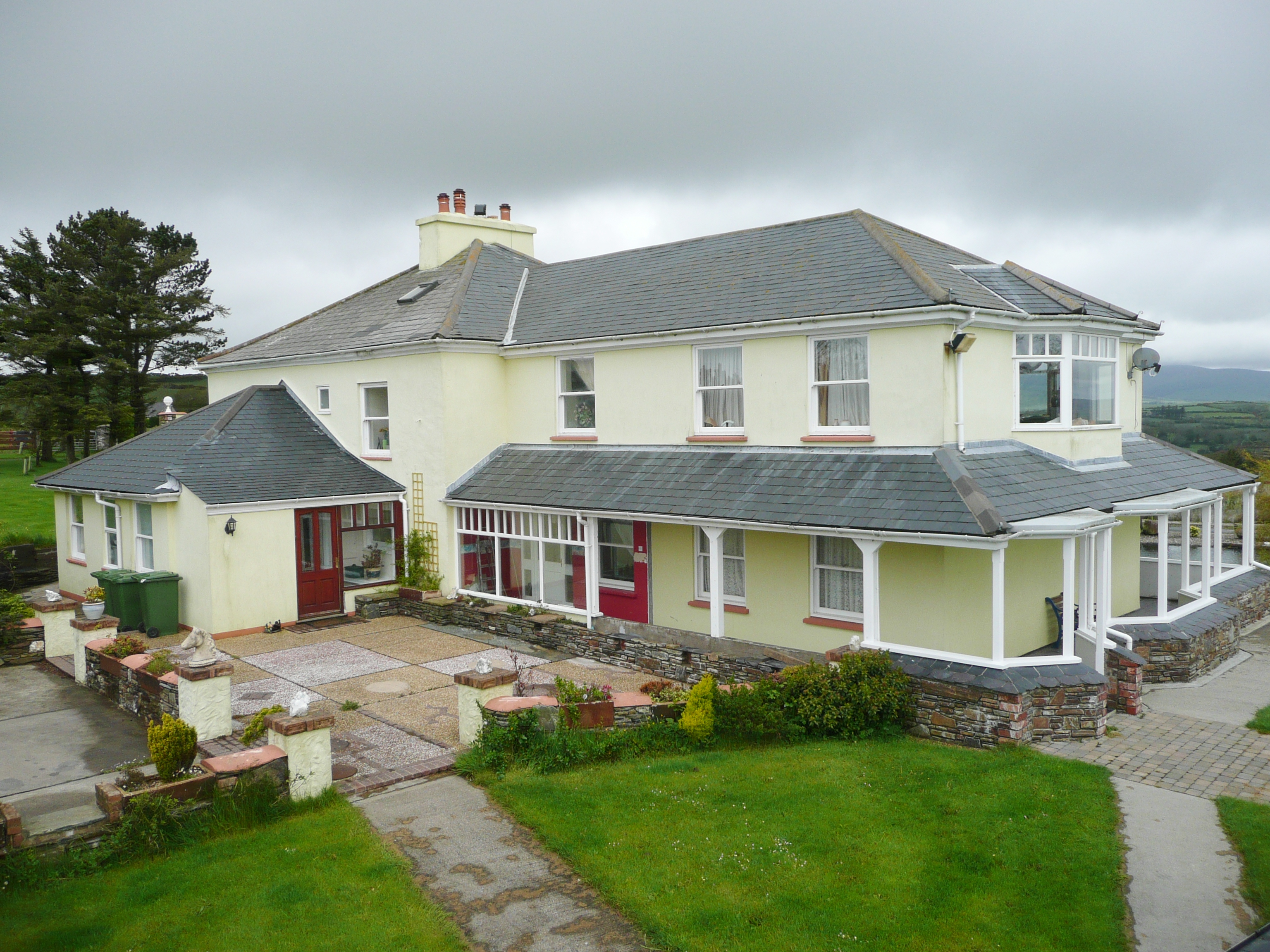 7 bedroom detached house For Sale in Douglas - Property photograph