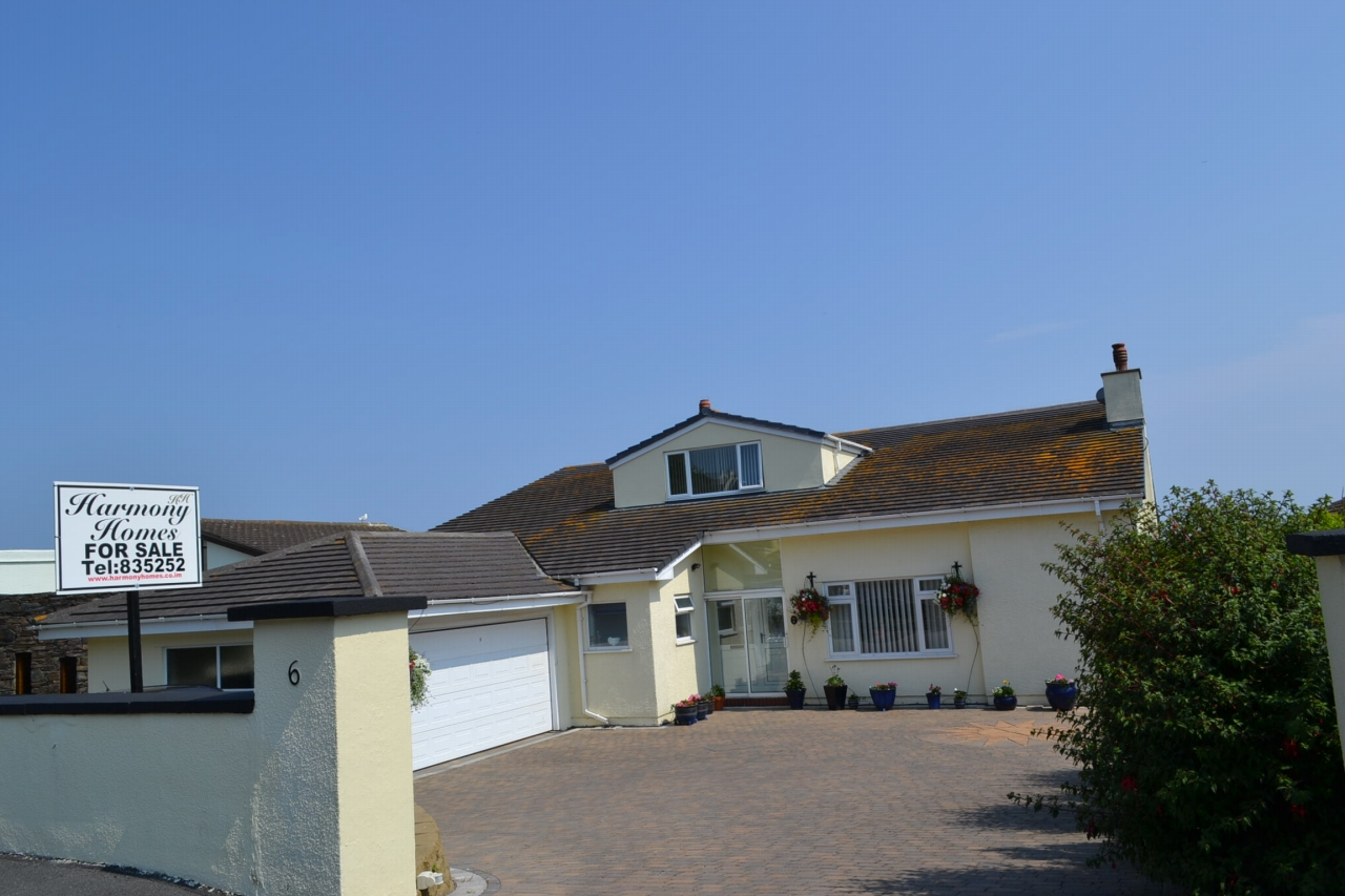 5 bedroom detached house For Sale in Port St Mary - 1
