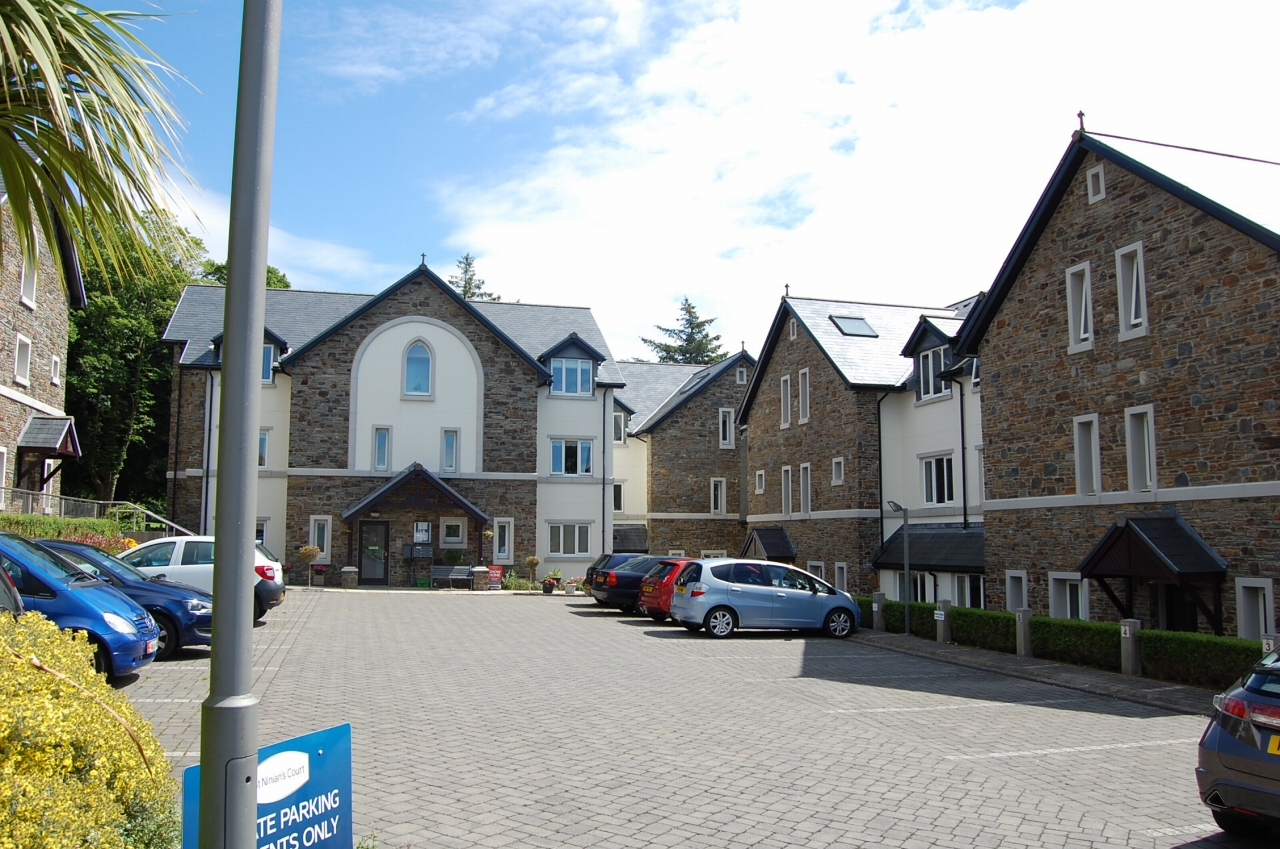 2 bedroom apartment flat/apartment To Let in Douglas - 1