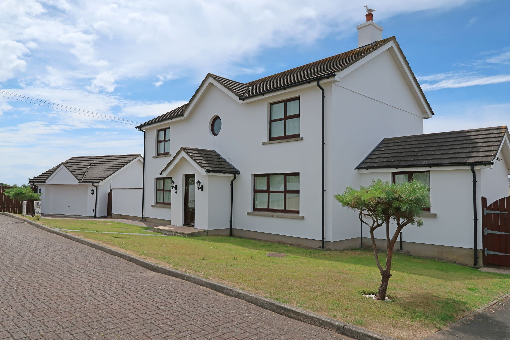 4 bedroom detached house For Sale in Colby - Photograph 1