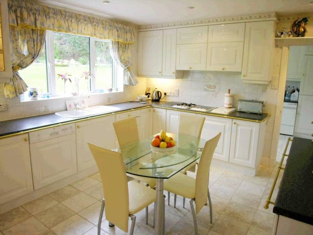 4 bedroom detached house For Sale in Laxey - 7