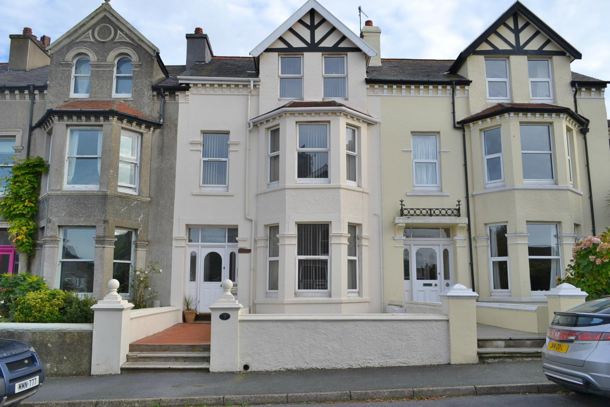 2 bedroom apartment flat/apartment To Let in Port Erin - Photograph 1