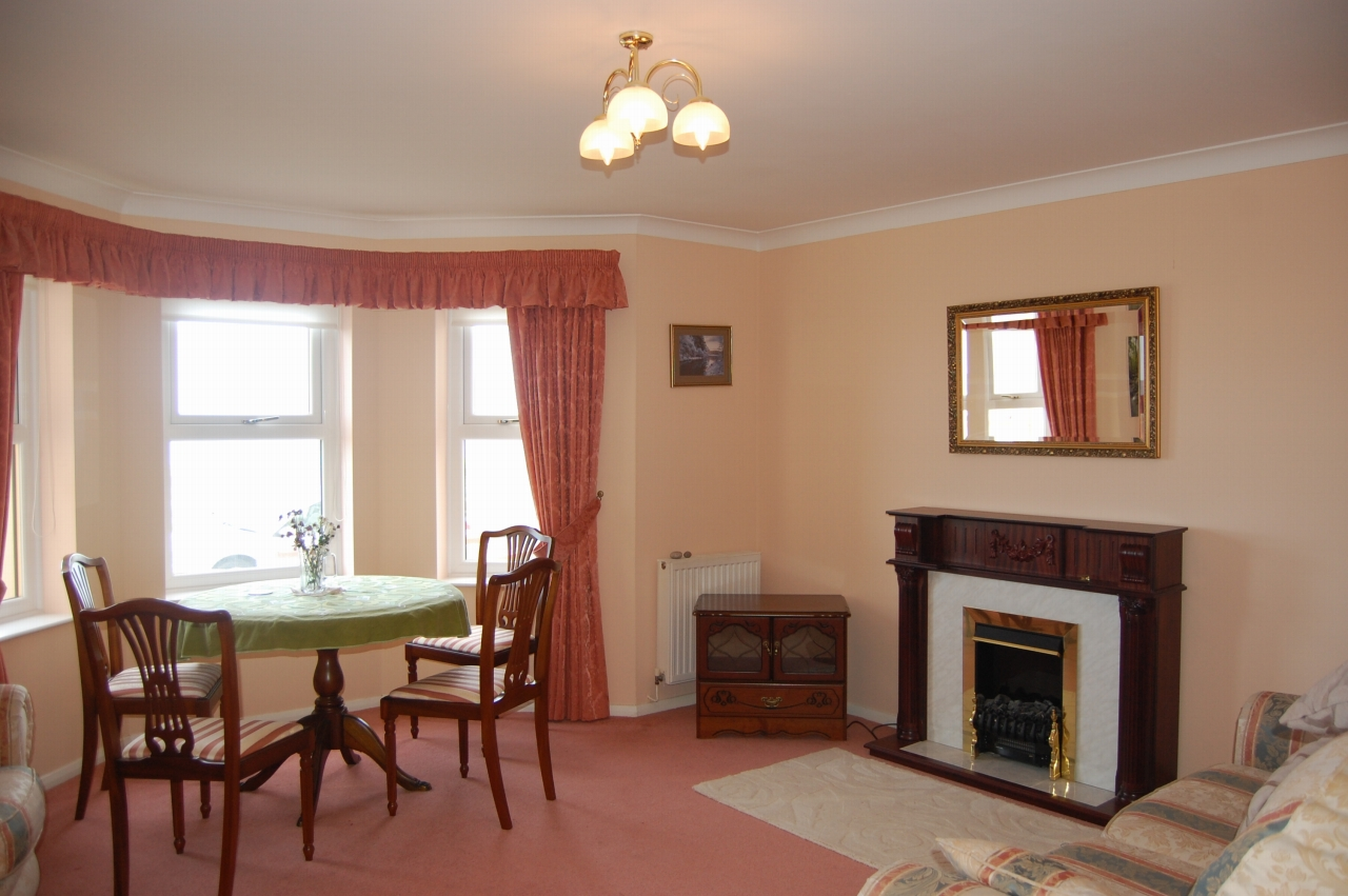 1 bedroom apartment flat/apartment Let in Ramsey - Property photograph