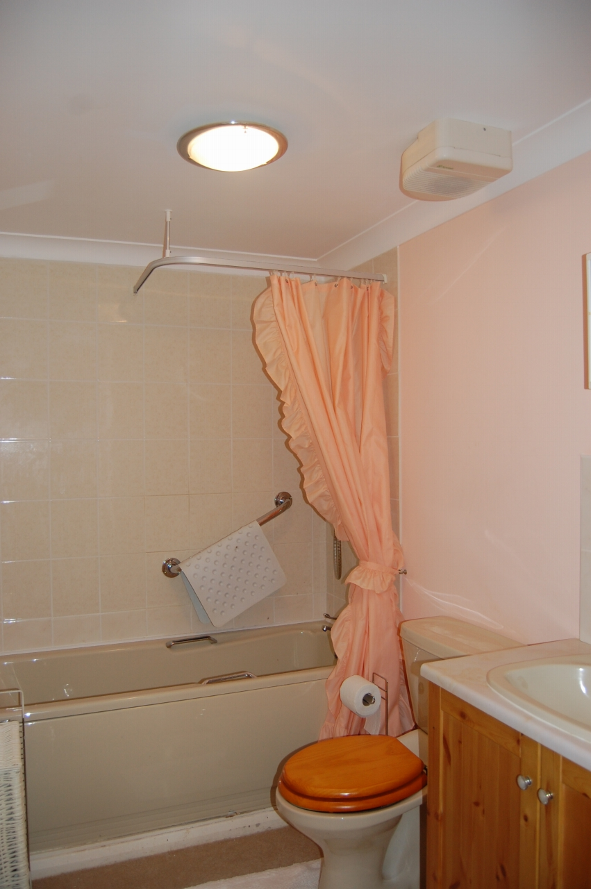 1 bedroom apartment flat/apartment To Let in Ramsey - Property photograph