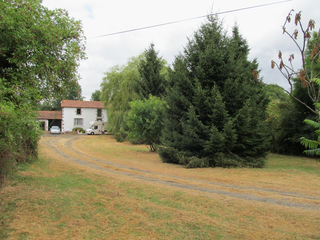 5 bedroom detached house For Sale in Allonne - Property photograph