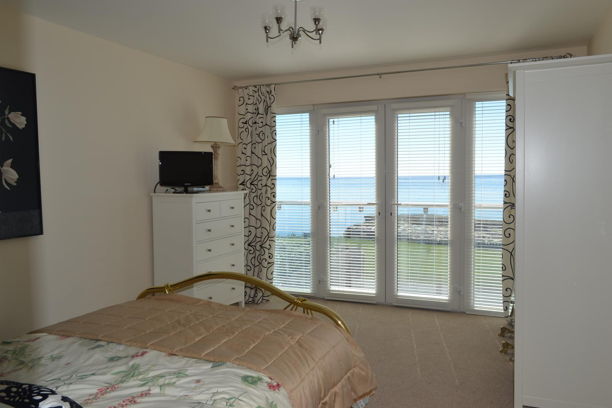 5 bedroom detached house For Sale in Port St Mary - Photograph 20