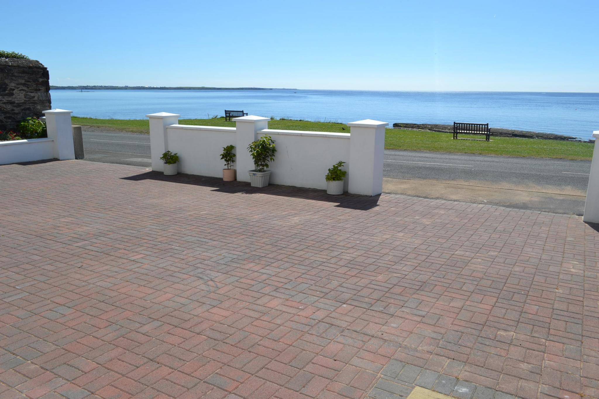 5 bedroom detached house For Sale in Port St Mary - Photograph 4