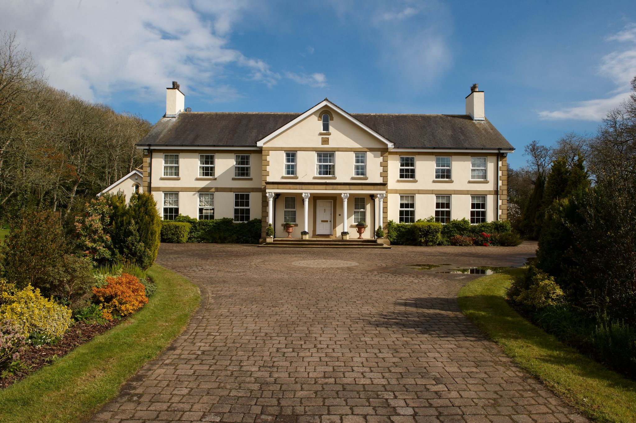5 bedroom detached house For Sale in Onchan - Property photograph