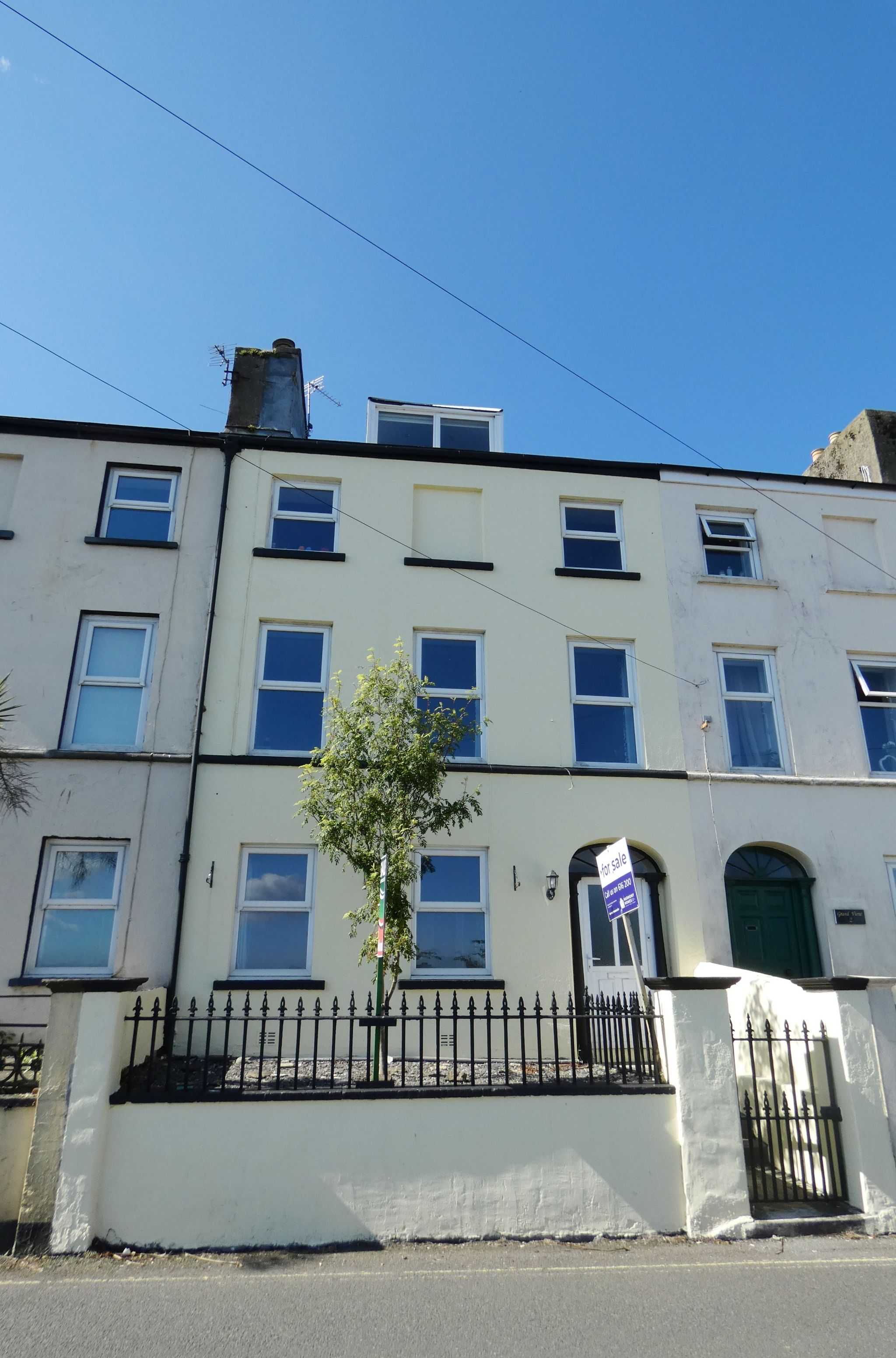 5 bedroom mid terraced house For Sale in Douglas - Photograph 1