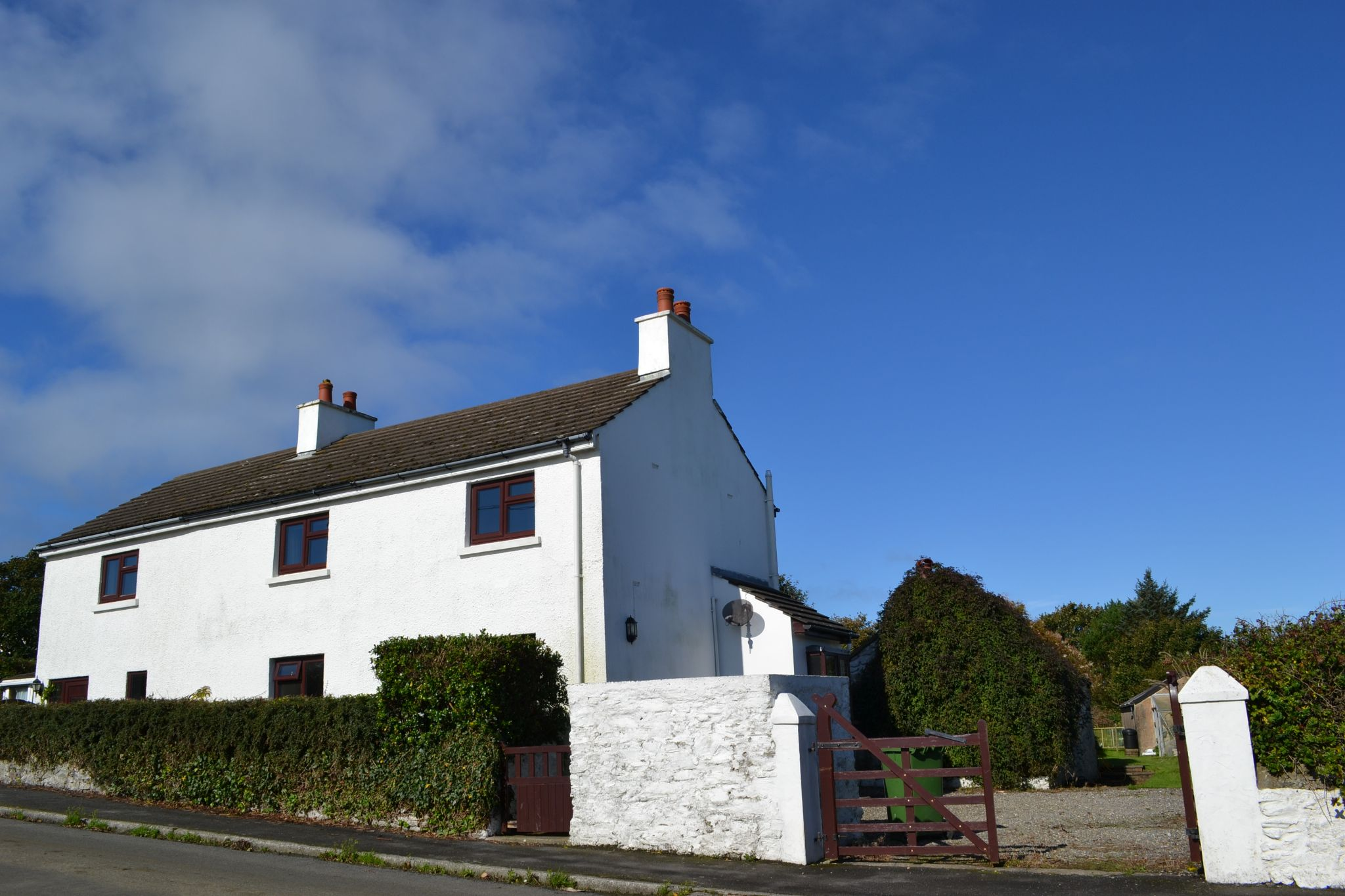 3 bedroom detached house For Sale in Port St. Mary - Photograph 2